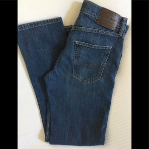 ☘️Lucky Brand Men's 223 Straight Leg Denim Jeans